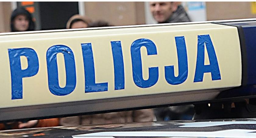 Sprawy kryminalne - kronika, Nastolatek pobity Włocławku Poszło koszulkę - zdjęcie, fotografia