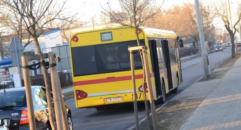 Komunikacja, Czwarty dzień zmian kursowaniu Włocławku - zdjęcie, fotografia