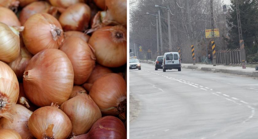 Wypadki drogowe, Wypadek Włocławek Brześć Kujawski Przewróciła ciężarówka cebulą - zdjęcie, fotografia