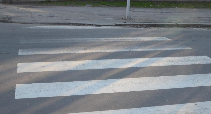 Wypadki drogowe, latek potrącony Chopina Włocławku obrażeniami trafił szpitala - zdjęcie, fotografia