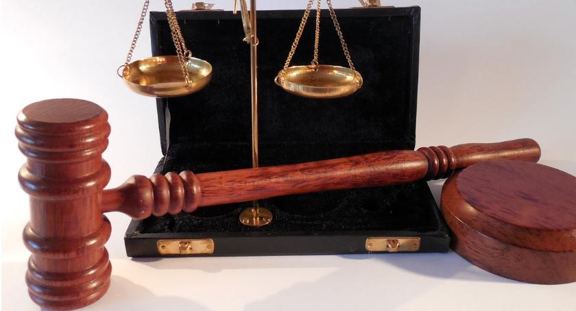 Sprawy kryminalne - kronika, Przyjechał zeznawać sądu wpływem alkoholu - zdjęcie, fotografia