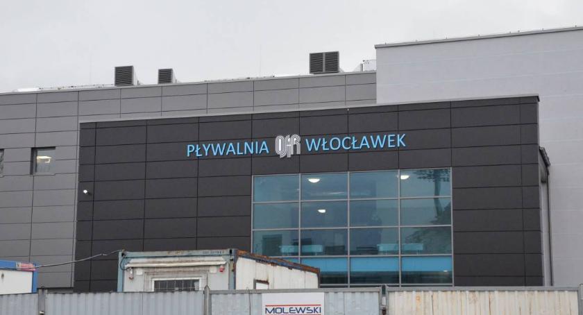 Rynek pracy, czele Ośrodka Sportu Rekreacji Włocławku - zdjęcie, fotografia