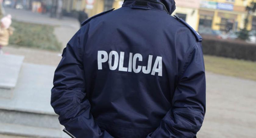 Wypadki drogowe, Śmiertelny wypadek Warząchewce Polskiej Gminie Włocławek Policja szuka świadków - zdjęcie, fotografia