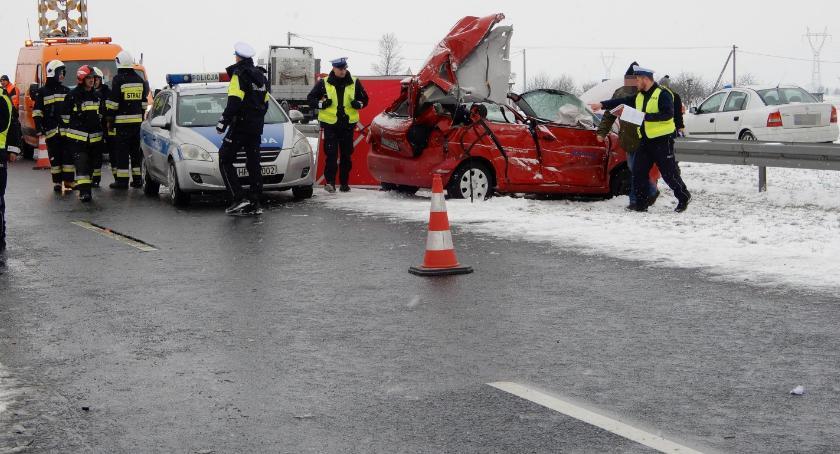 Wypadki drogowe, Karambol kilkunastu pojazdów Ciechocinek Brzezie Jedna osoba żyje [ZDJĘCIA] - zdjęcie, fotografia