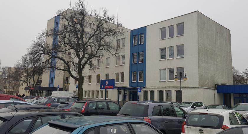 Ludzie_, Włocławski ratusz planuje podwyżki dostanie - zdjęcie, fotografia