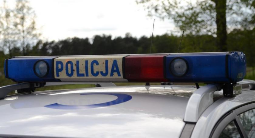 Sprawy kryminalne - kronika, Włamanie byłej stacji paliw Policjanci Brześcia Kujawskiego zatrzymali osoby - zdjęcie, fotografia
