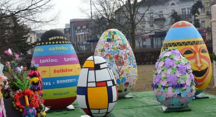 Święta państwowe i religijne, Jarmark Wielkanocny Włocławku Jakie atrakcje - zdjęcie, fotografia