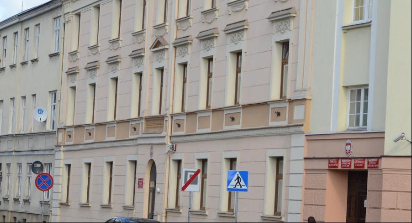 Rynek pracy, Starostwo Powiatowe Włocławku zatrudnia szukają - zdjęcie, fotografia
