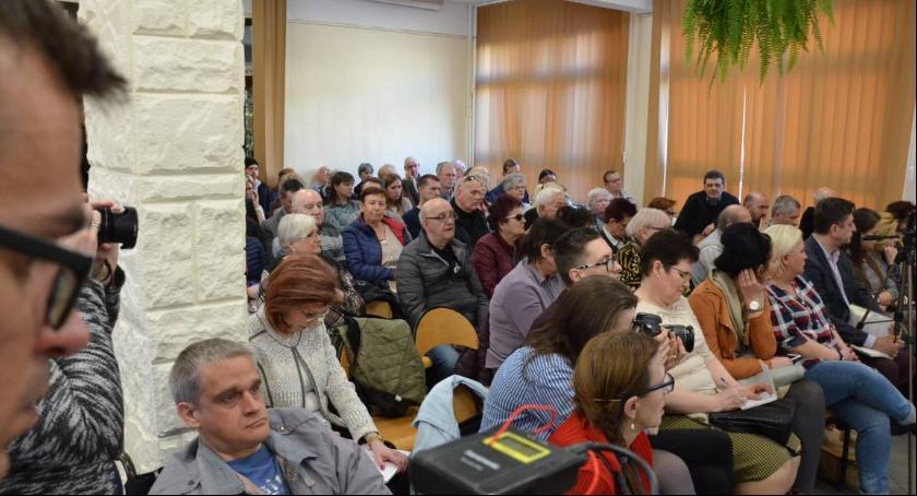 Urząd Miasta, Mieszkańcy wylali swoje żale spotkaniu Prezydentem Włocławka Markiem Wojtkowskim - zdjęcie, fotografia