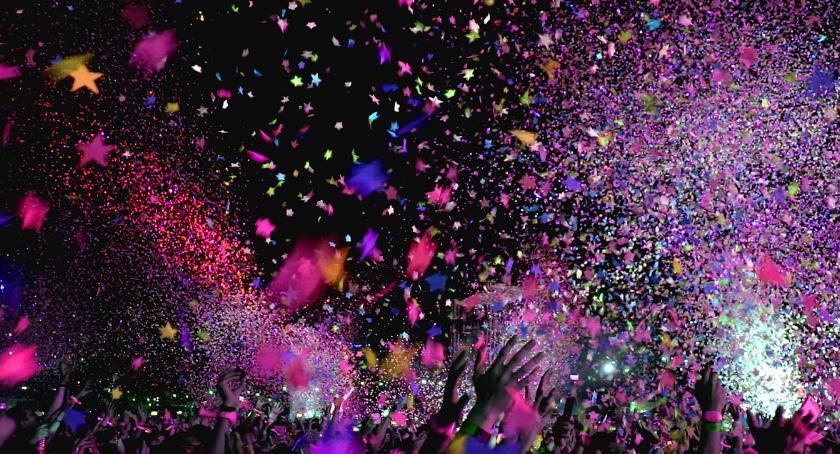 Imprezy, Majówka Ciechocinku Największe gwiazdy wystąpią scenie tężniami - zdjęcie, fotografia