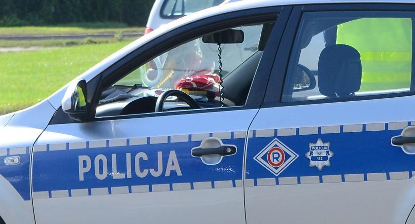 Sprawy kryminalne - kronika, Nocna nauka jazdy regionie Nietrzeźwy oświadczył policjantom jeździć - zdjęcie, fotografia