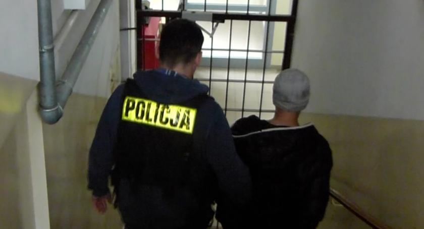 Sprawy kryminalne - kronika, Okradł kościelną skarbonkę Teraz grozi nawet więzienia - zdjęcie, fotografia