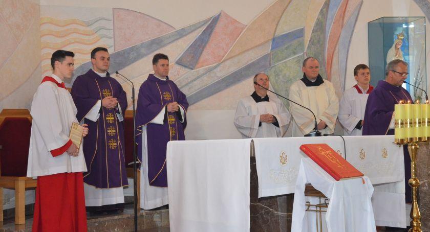 Kościół - Parafie , Biskup włocławski wraca zdrowia Odwiedzi parafię Smólniku - zdjęcie, fotografia
