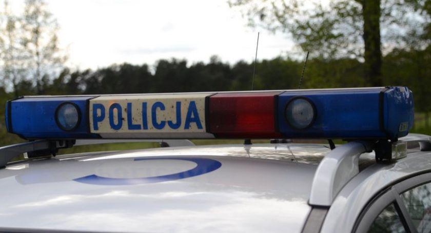 Sprawy kryminalne - kronika, Policyjny pościg latkiem Wjechał drogę polną zaczął uciekać pieszo - zdjęcie, fotografia