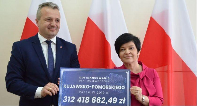 Inwestycje, Samorządy dostaną drogi Wiadomo podzielą środki - zdjęcie, fotografia