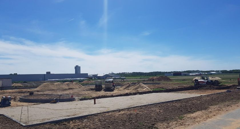 Inwestycje, budowa targowiska Kaliskach Gminie Lubień Kujawski [FOTO] - zdjęcie, fotografia
