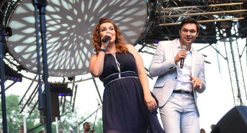 Koncerty, Koncert Uwielbienie Włocławku wkrótce wydarzenie ściąga tłumy - zdjęcie, fotografia