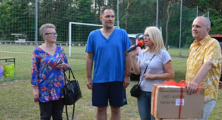 Biegi, Ponad osób sportowo powitało Smólniku [ZDJĘCIA] - zdjęcie, fotografia