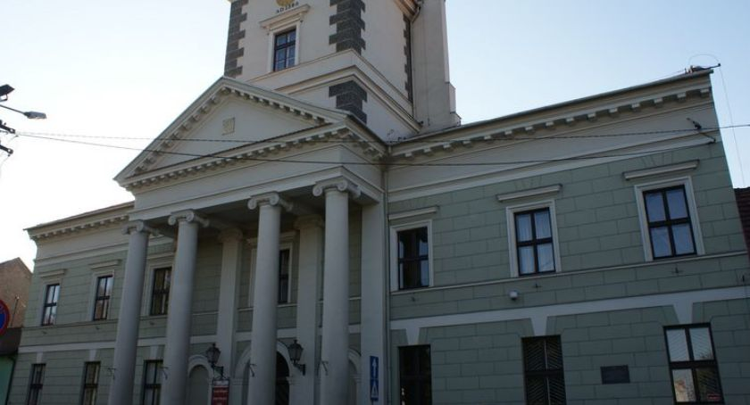 Urząd Miasta, Teraz szybciej załatwisz sprawę Urząd Brześciu Kujawskim podnosi jakość usług - zdjęcie, fotografia