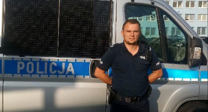 Policja - komunikaty policyjne, Kobieta zasłabła Kulinie Uratował policjant pielęgniarką - zdjęcie, fotografia