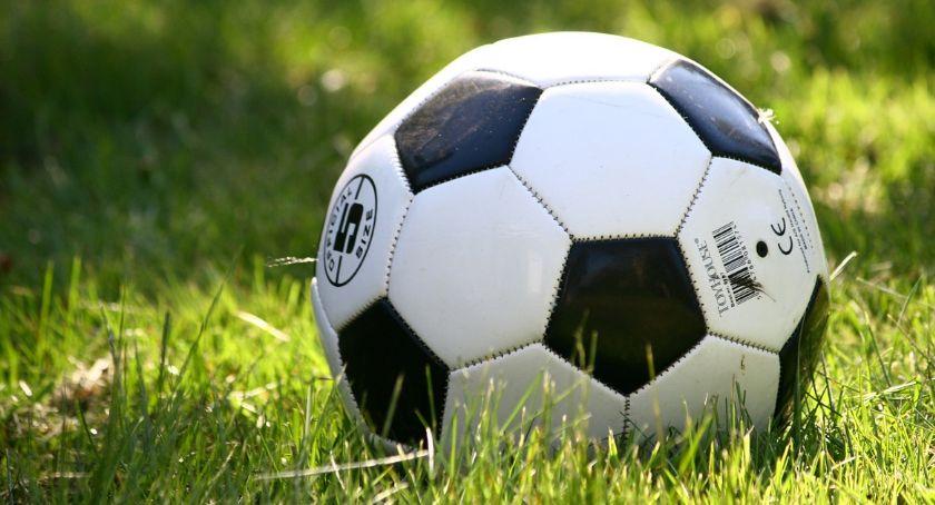 Piłka nożna, Piłkarze Łokietka Brześć wychodzą miasto wieś Będzie granie niespodzianki [Harmonogram] - zdjęcie, fotografia