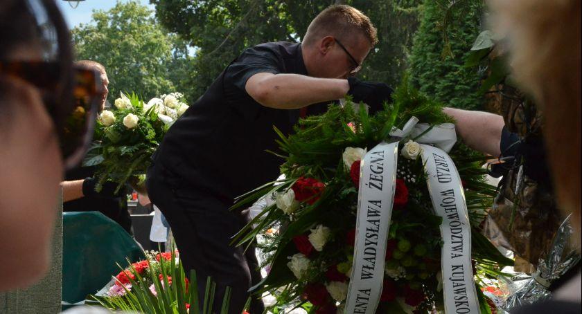 Kościół - Parafie , Pogrzeb Władysława Skrzypka byłego Prezydenta Włocławka - zdjęcie, fotografia
