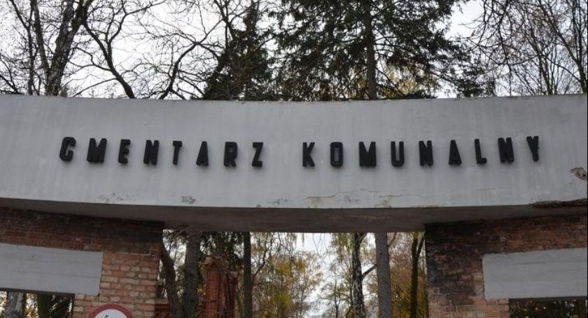 Ludzie_, Wyszukiwarka grobów Włocławku zmieniła adres znaleźć nagrobek cmentarzu - zdjęcie, fotografia
