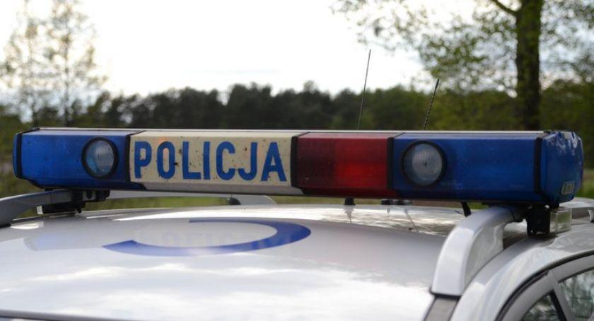 Wypadki drogowe, Wypadek Wieńcu Kobieta zjechała melioracyjnego Policja prosi pomoc - zdjęcie, fotografia