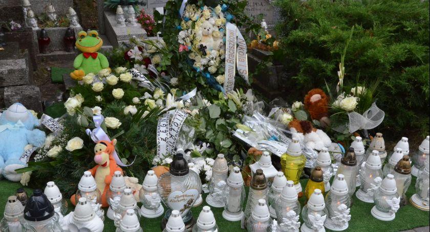 Ludzie_, Pogrzeb letniego Nikodema Włocławka [ZDJĘCIA] Matka konkubent zarzutami - zdjęcie, fotografia