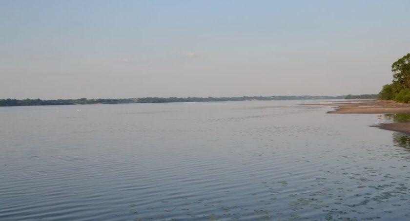 Policja - komunikaty policyjne, Tragedia jeziorze Chodeckim Utonął latek Ciało wyłowił płetwonurek - zdjęcie, fotografia