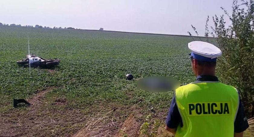 Wypadki drogowe, Tragiczny wypadek powiecie świeckim letni motocyklista uderzył drzewo - zdjęcie, fotografia