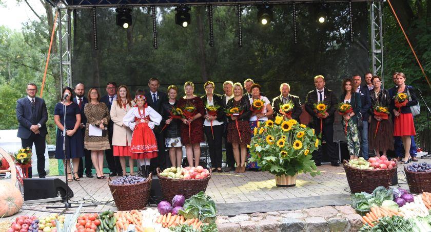 Rolnictwo, Dziękowali rolnikom Śmiłowicach Były odznaczenia - zdjęcie, fotografia