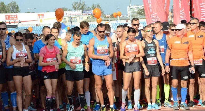 Biegi, Anwil Półmaraton Włocławek niedzielę wielka impreza biegowa naszym mieście - zdjęcie, fotografia