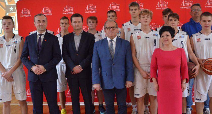 Koszykówka, ANWIL wesprze Akademia Koszykówki ANWIL wyszkoli młodych - zdjęcie, fotografia
