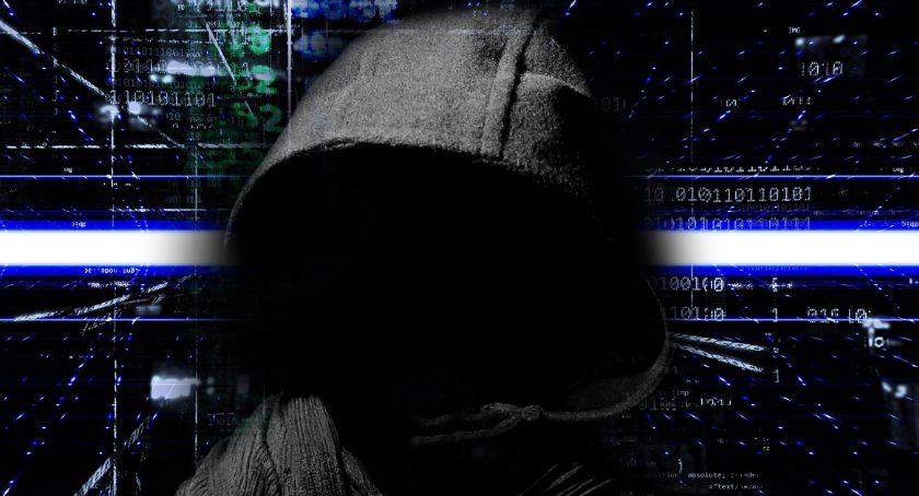 Komunikaty, Alarm BRAVO całej Polsce Premier wprowadził stopień zagrożenia terrorystycznego cyberprzestrzeni - zdjęcie, fotografia