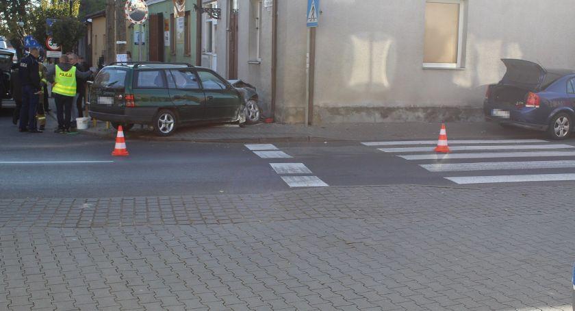 Wypadki drogowe, Pijana matka uderzyła pojazd Brześciu Kujawskim zostawiła pieszo odprowadziła dzieci szkoły - zdjęcie, fotografia