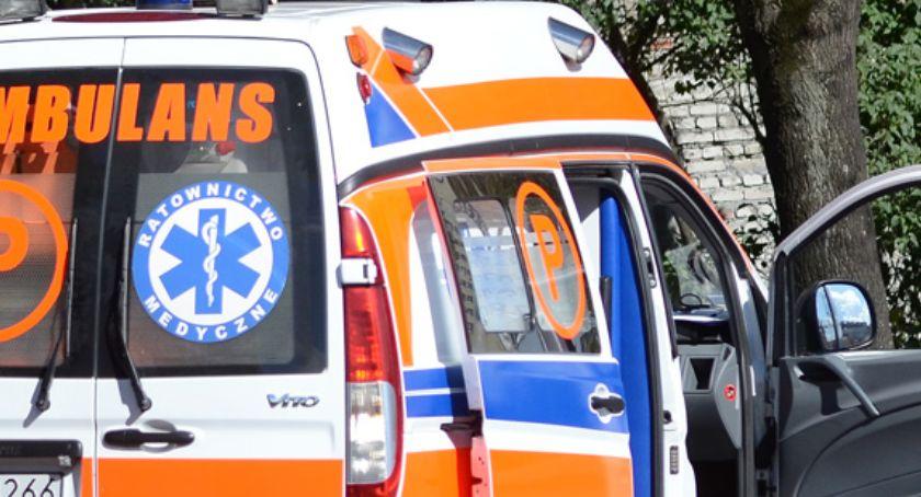 Policja - komunikaty policyjne, Uszkodziła karetkę pogotowia Włocławku Powód - zdjęcie, fotografia