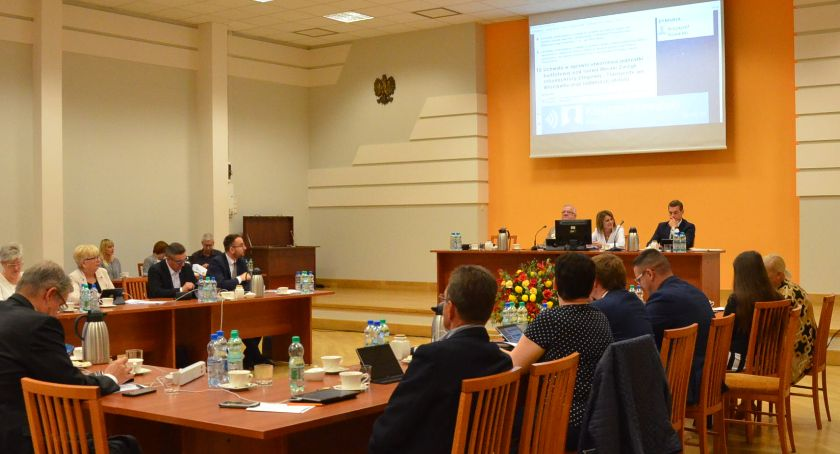 Rada Miasta , Włocławek kontra rząd walczą włocławscy radni - zdjęcie, fotografia