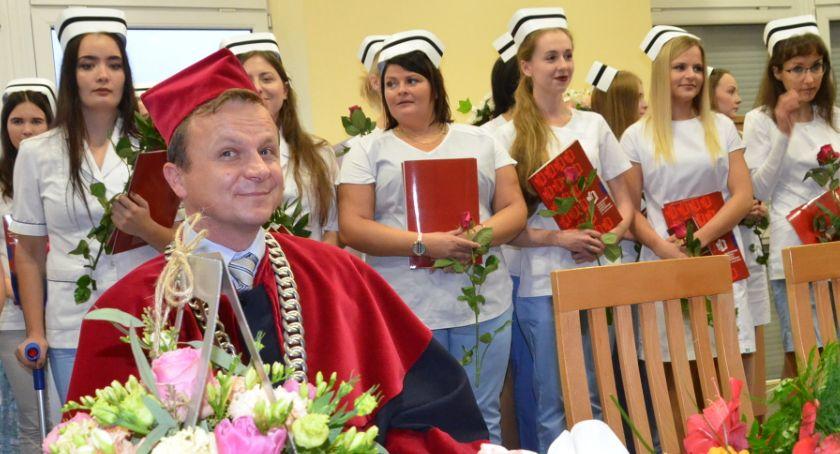 Szkoły wyższe, Wręczenie dyplomów Pielęgniarstwie Włocławku [ZDJĘCIA] - zdjęcie, fotografia