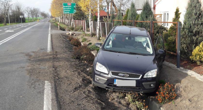 Wypadki drogowe, Wypadek Samszycach Uderzył forda którym podróżowała rodzina dwójką dzieci [ZDJĘCIA] - zdjęcie, fotografia