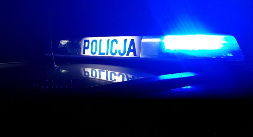 Wypadki drogowe, Volkswagen zderzył Kierowca jednego rzucił ucieczki - zdjęcie, fotografia
