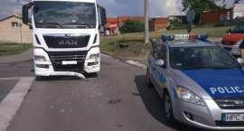 Zderzenie osobówki z ciężarówką. Fiat wymusił pierwszeństwo [FOTO]