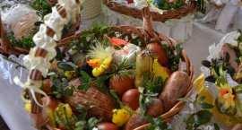 Adoracja przy Grobie Pańskim i Święcenie pokarmów w parafii  Smólnik