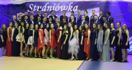 Studniówka 2018 Włocławek. Tak bawili się uczniowie we Włocławku, Lubrańcu, Brześciu i Kowalu [ZDJĘC