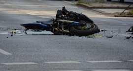 Tragedia z udziałem 22-letniego motocyklisty. Wyprzedzał kilka pojazdów