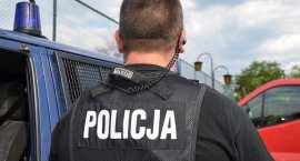 Policyjnie w regionie: Rozbój w banku, celowe potrącenie policjanta, zatrucie 17 dzieci …