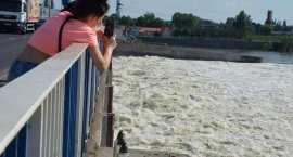 Fala powodziowa zbliża się do Włocławka. Na tamie trwa zrzut wody [VIDEO FOTO]
