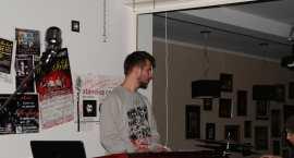 Papa Musta z zespołem The Menelse w Garage Hotel.