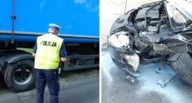 Wypadek w Bieganowie. Ford zderzył się z ciężarową Scanią [FOTO]