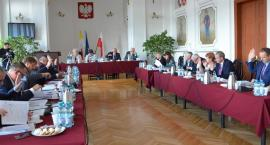 Przedostatnia sesja Rady Powiatu we Włocławku przed wyborami. Jakie decyzje zapadły?